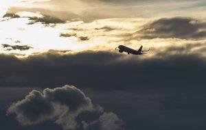 Flugzeug im Gewitter